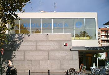 Exterior view of the EPSEVG Library building